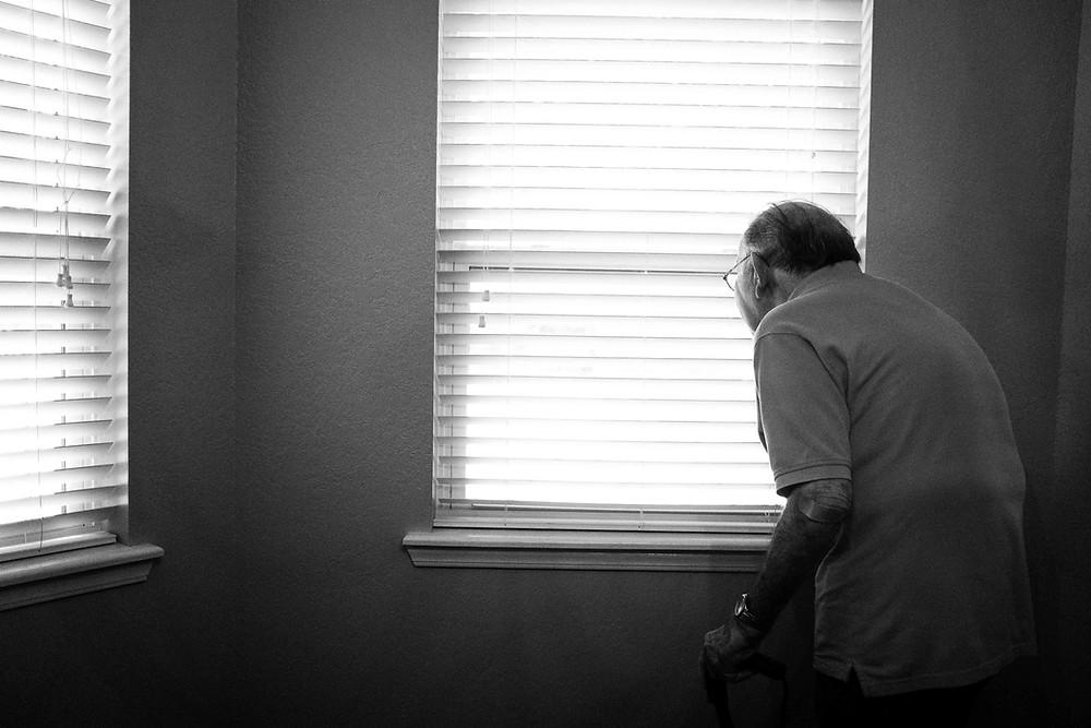 persona en la mejor residencia de ancianos