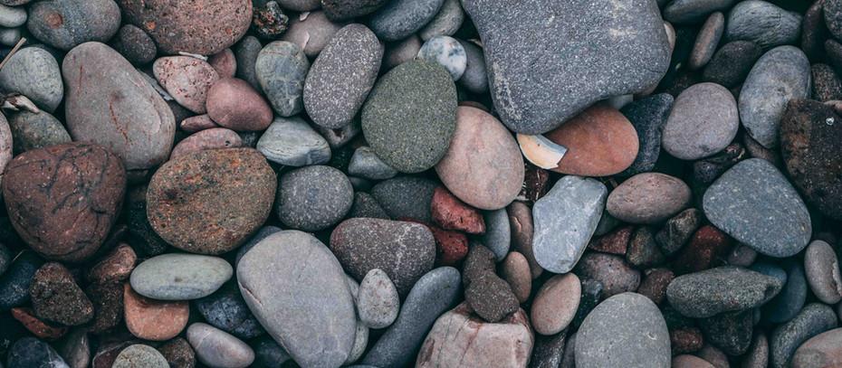 இரத்தம் படிந்த கற்குவியல்களை வைத்து என்ன செய்ய போகிறாய்?