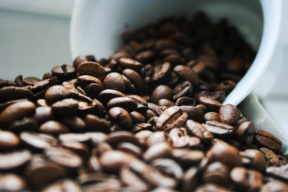 kawa ziarnista świeżo palona metodą rzemieślniczą
