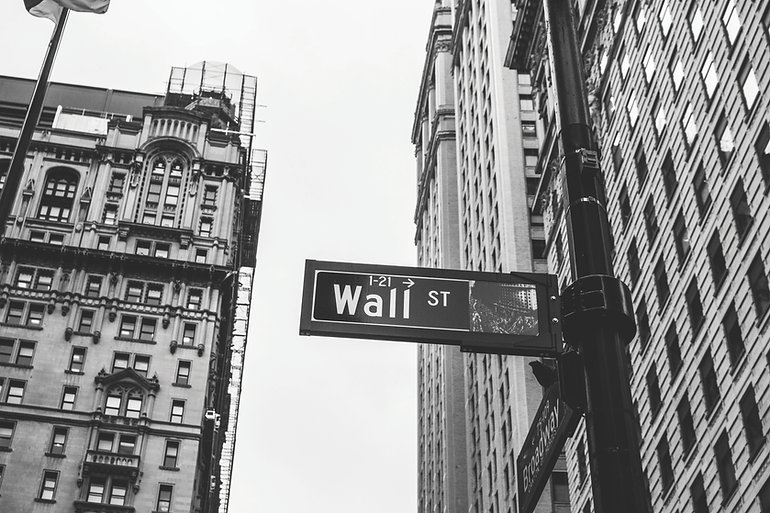 Wall Street of Investors Sign