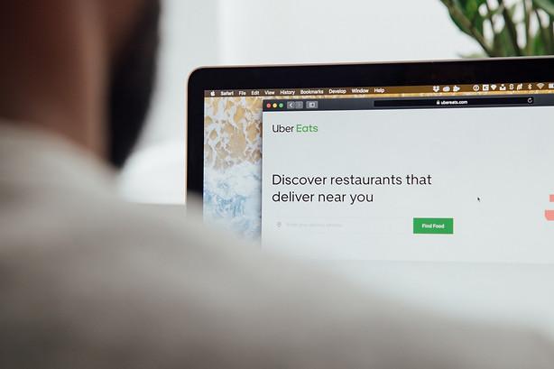 Rethinking Uber Eats ()Image by Charles Deluvio souce Unsplash