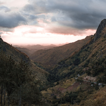 EXPERIENCE THE AMAZING HILL COUNTRY IN SRI LANKA