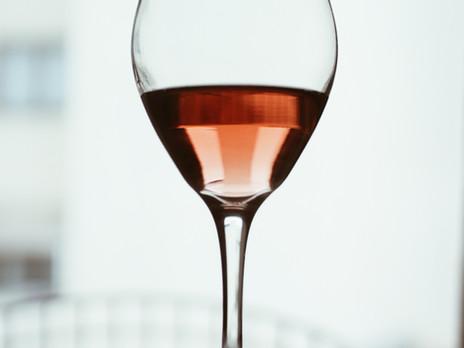 Quelle est la différence entre le vin rouge et le vin rosé?