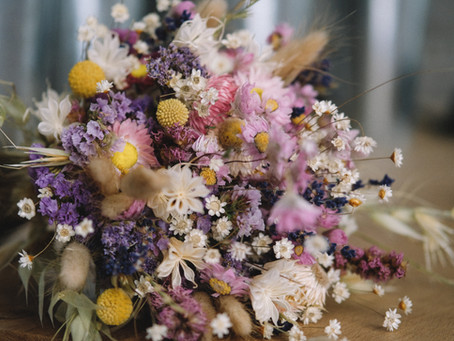The Hottest trend - Dried Wedding flowers