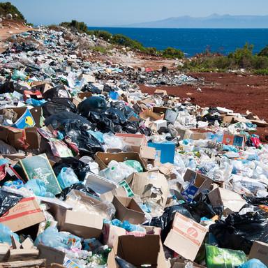 Accumulation of plastic debris