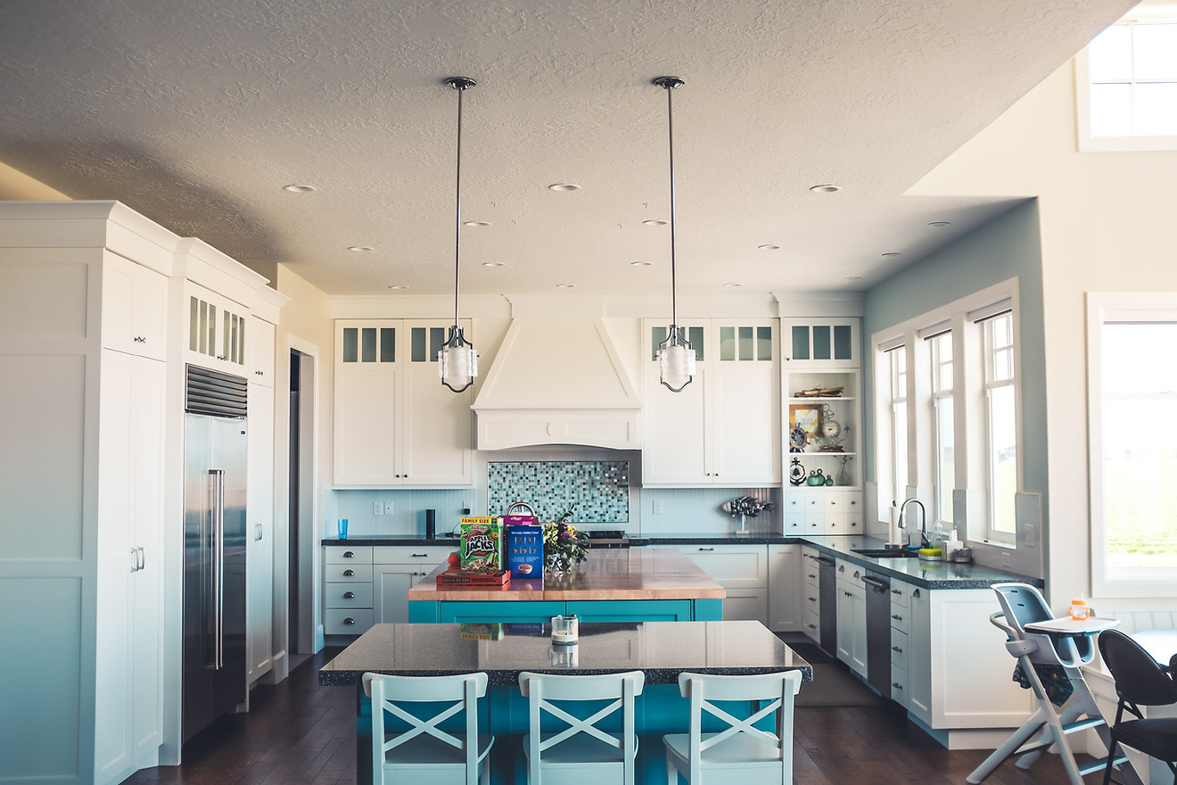 MIX IT UP! Architectural elements, and color.