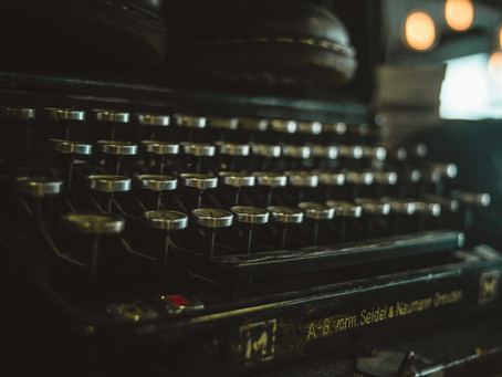 5 Black Bloggers for Writers to Follow