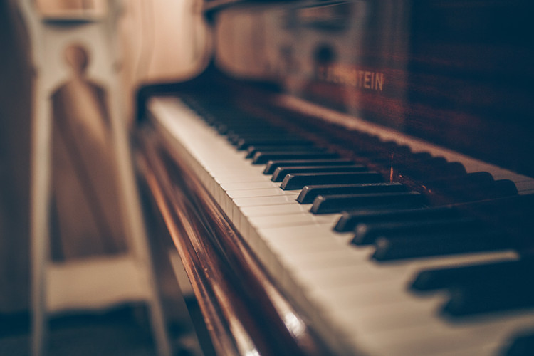 Upright piano by Geert Pieters
