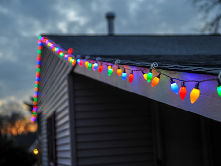Protect Your Roof When Hanging Christmas Lights