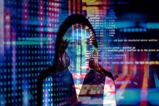 Proyectos para reducir déficit de mujeres enfocadas en ciencia y tecnología