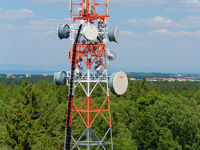 What are the health issues that can occurwhen living close to a cellular antenna?