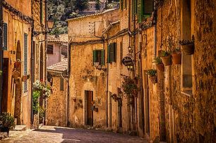 Divas Roaming in Italy