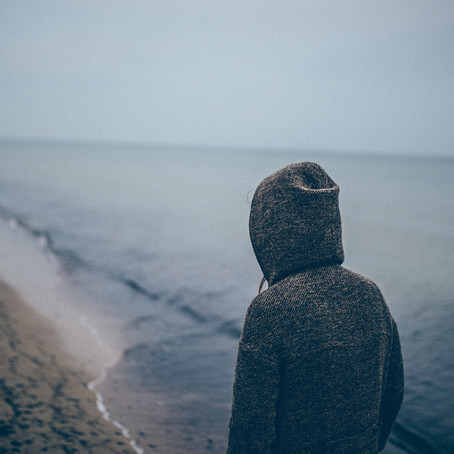 How to recognise loneliness among young people