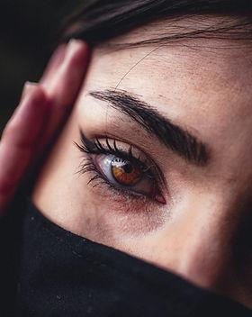 Stimuler la pousse des cils et sourcils