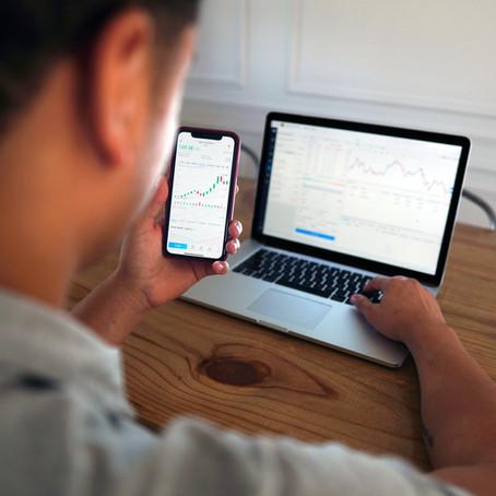 ¿Qué es mejor, invertir en una casa o invertir en la bolsa de valores?