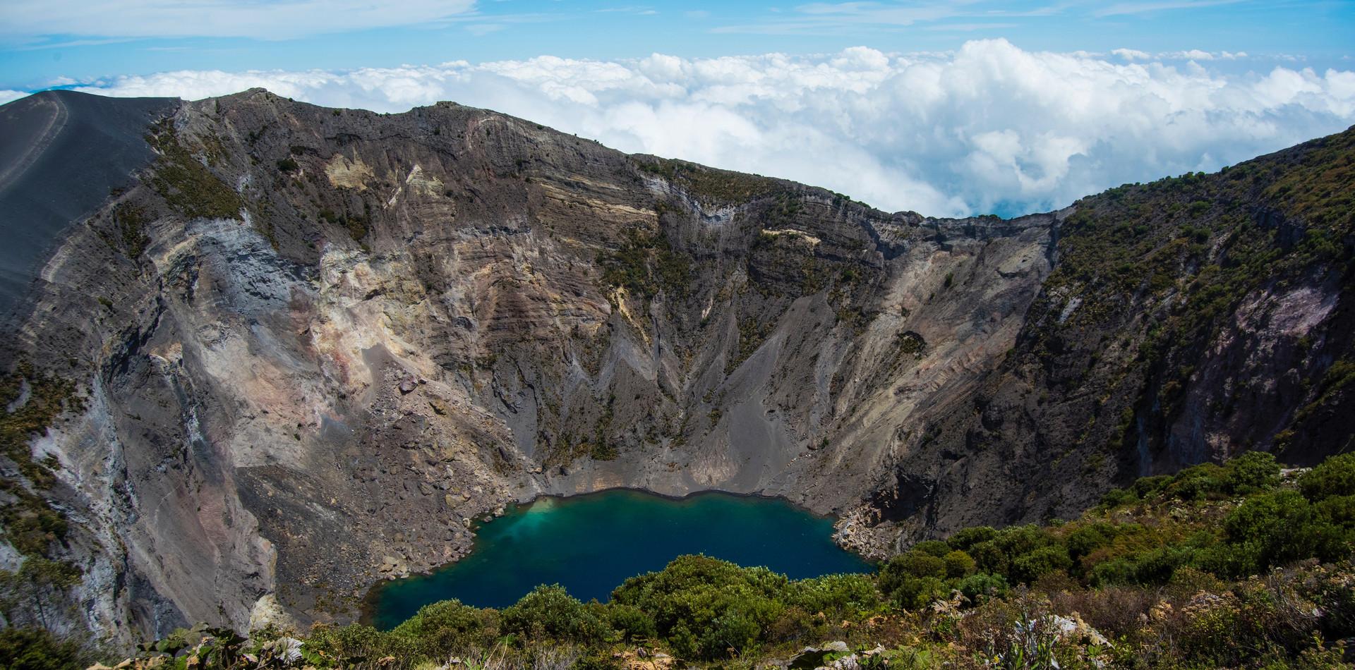 DAY 2 - Orosi / Irazú Volcano (± 3h RT.)