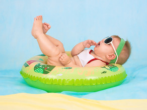 Op (vlieg)vakantie met je baby? Zo doe je dat!