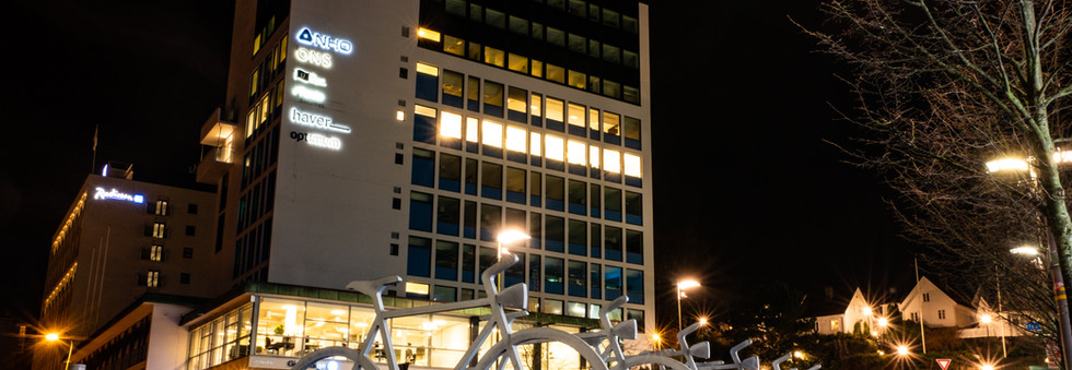 VERITAKST er seritifisert i Norsk takst for taksering av næringseiendom og utbyggingsområder. Våre rapporter er i tråd med Norsk takst sine retningslinjer, og baserer seg på internasjonal takststandard.