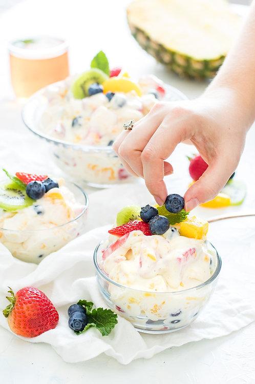 Salade de fruits à la crème de coco et à l'eau de fleur d'oranger