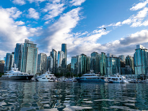 L'arrivée et les débuts à North Vancouver