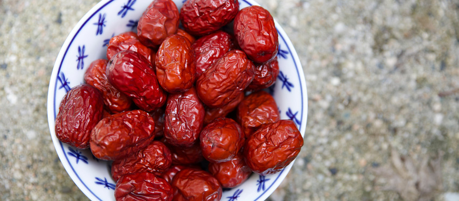 Is it safe to eat dates during pregnancy?