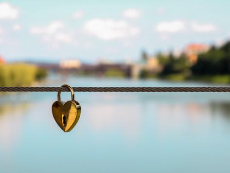 Gerçekte Kendinizi Sevmediğinizi Gösteren İşaretler