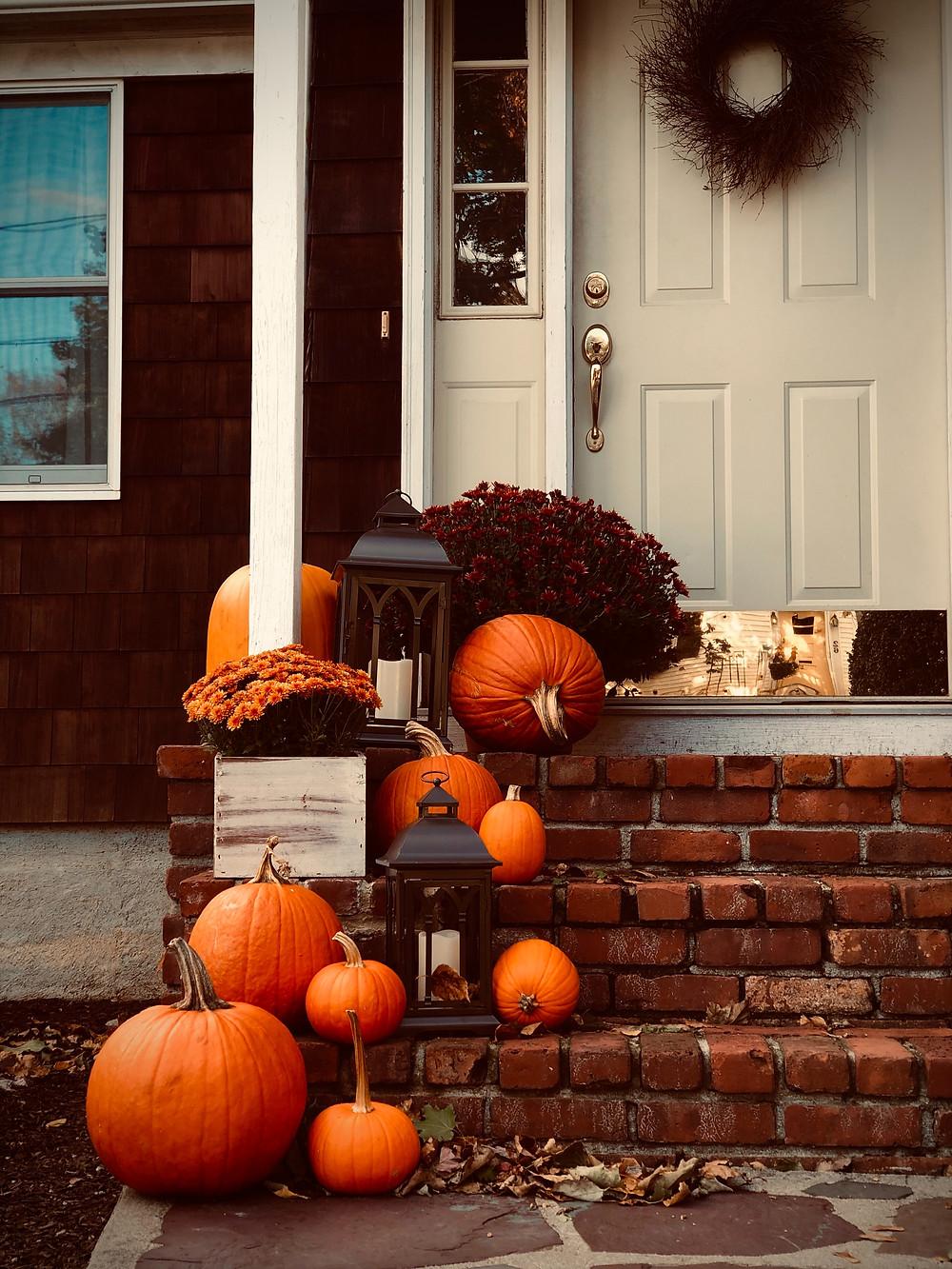 fall leaves, pumpkins, fall home, autumn decorations, fall decorations, seasonal decorations, curb appeal, real estate