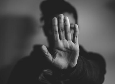 Liebe Hassprediger: schweigt! Weshalb wir Ausgrenzung & Intoleranz entgegen treten müssen