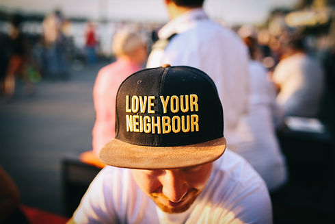 Love your neighbour Image by Nina Strehl