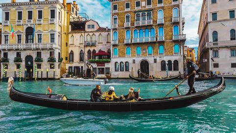 Aperitif in gondola