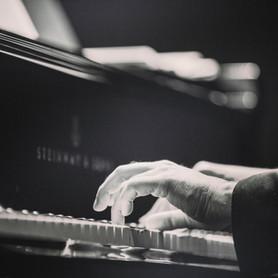 Larry Kenzal Piano