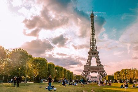 Champ de Mars, Paris. Image by Il Vagabiondo | The Organised Explorer