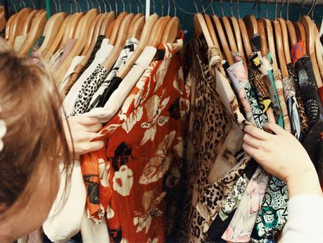 Cło na odzież z Chin. Ile wynosi cło na odzież, podkoszulki, t-shirt? Ubrania z Chin