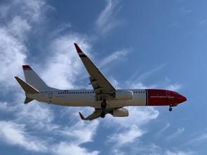 Skandinavische Fluggesellschaften heben Maskenpflicht auf Flügen auf