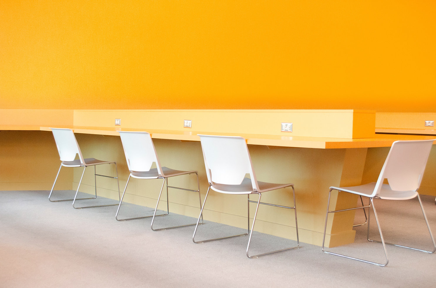 Image by Pacific Office Interiors