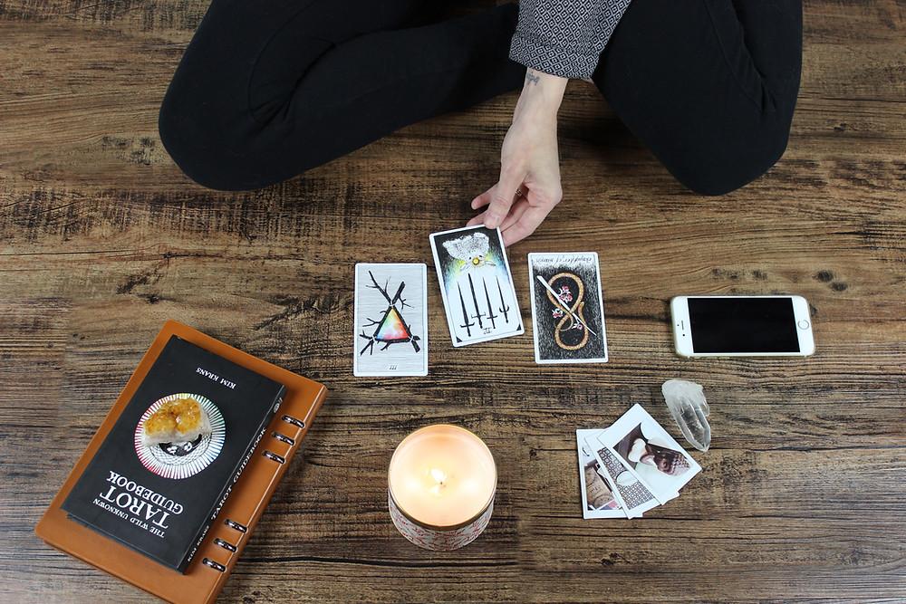 Modern Tarot Essential