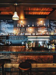 Sports Bar/Pubs/Taverns