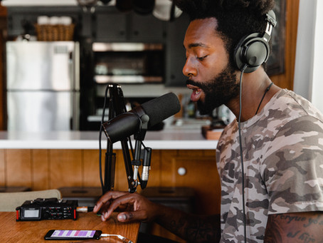 Five of the Best Podcasts for Screenwriters for 2021
