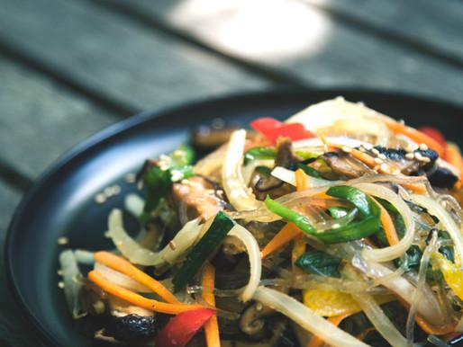 ירקות וטופו מוקפצים בניחוח אסיאתי