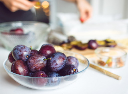 Baked Plums with a Crunchy Crumble Topping