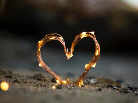 Love bombing  - הפצצת אהבה
