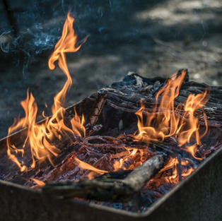 Outdoor Fireplaces, Bars & Tables