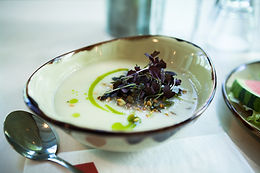 Smooth Jerusalem artichoke soup  M