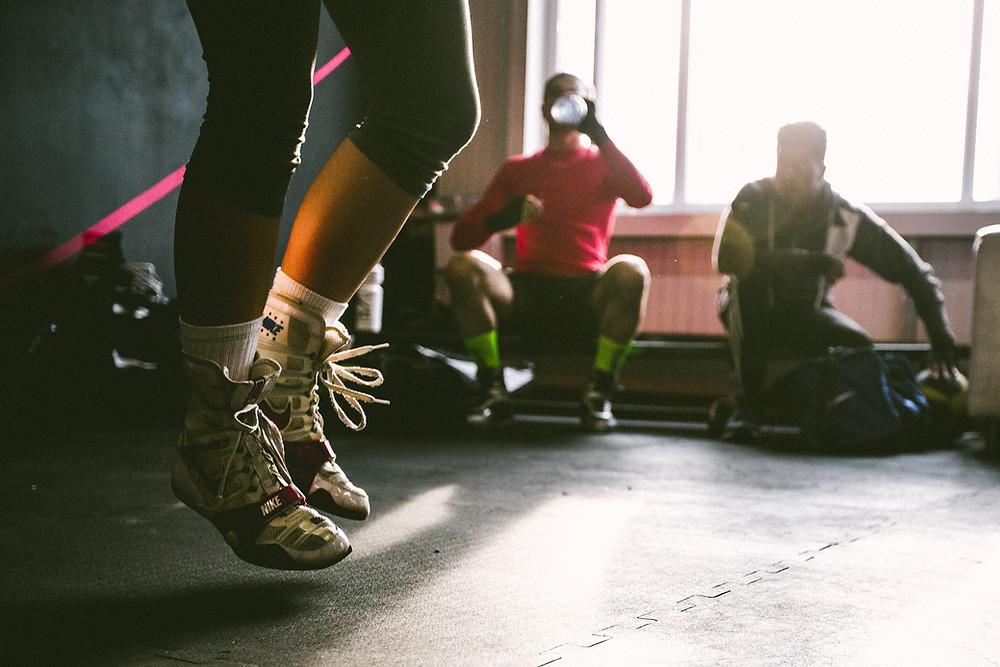 Kardio treniruotės ar svarmenų kilnojimas?