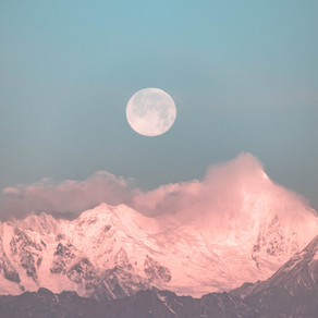 Moon Medicine: Celebrate the Full Moon Ayurveda-Style