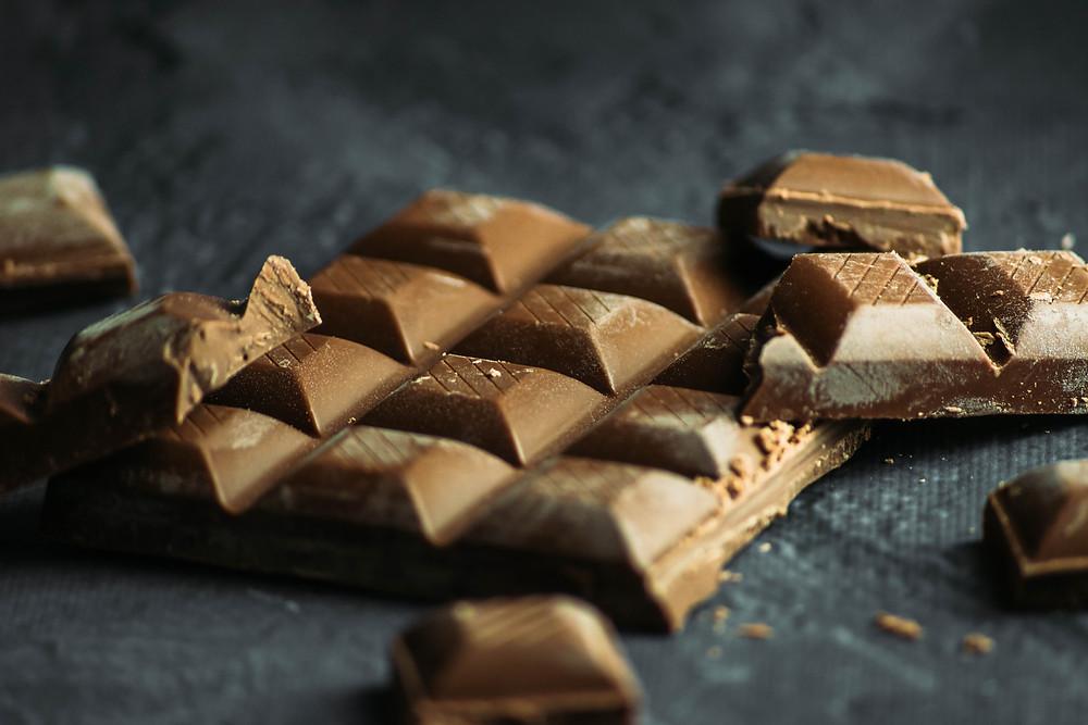 黑巧克力可以刺激腦內啡與快樂中樞,減輕壓力,讓人更容易達到性高潮。