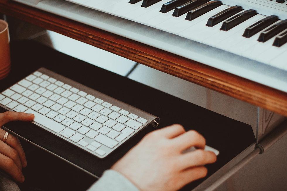 SAMPLE LIBRARIES & ADVANCED MIDI ORCHESTRATION