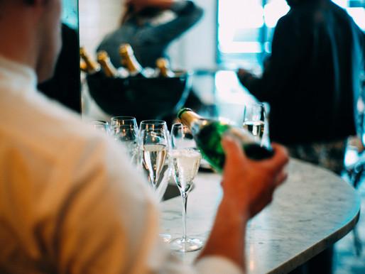 Conseils : Comment choisir le bon Champagne à servir vos invités lors de vos différentes réceptions
