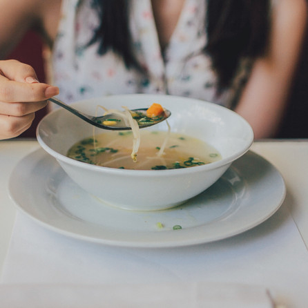Are you truly hungry or is it emotional hunger? Mindful eating practices can help you decide.