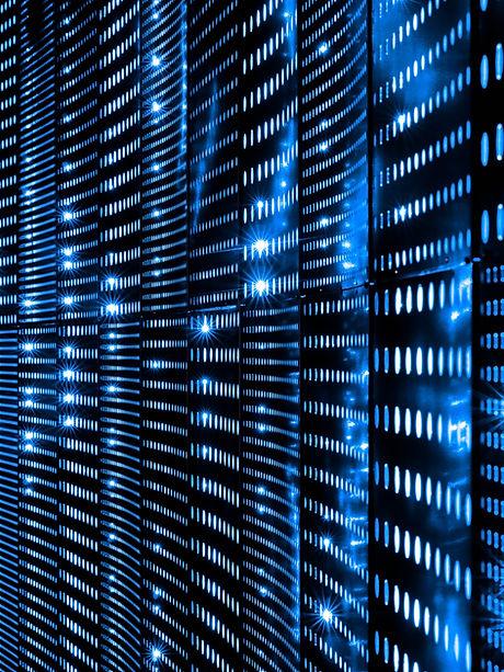 Datacentre network equipment